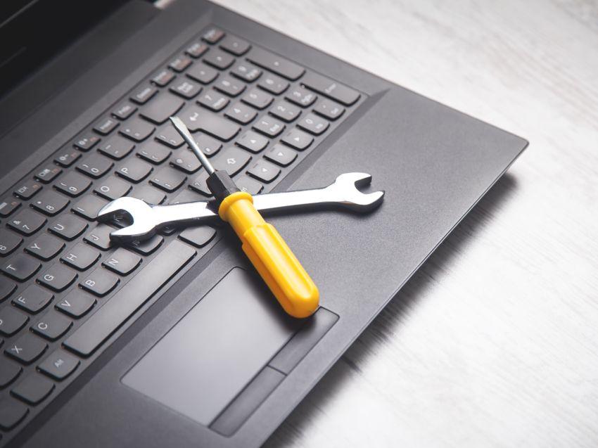 naprawa laptopow